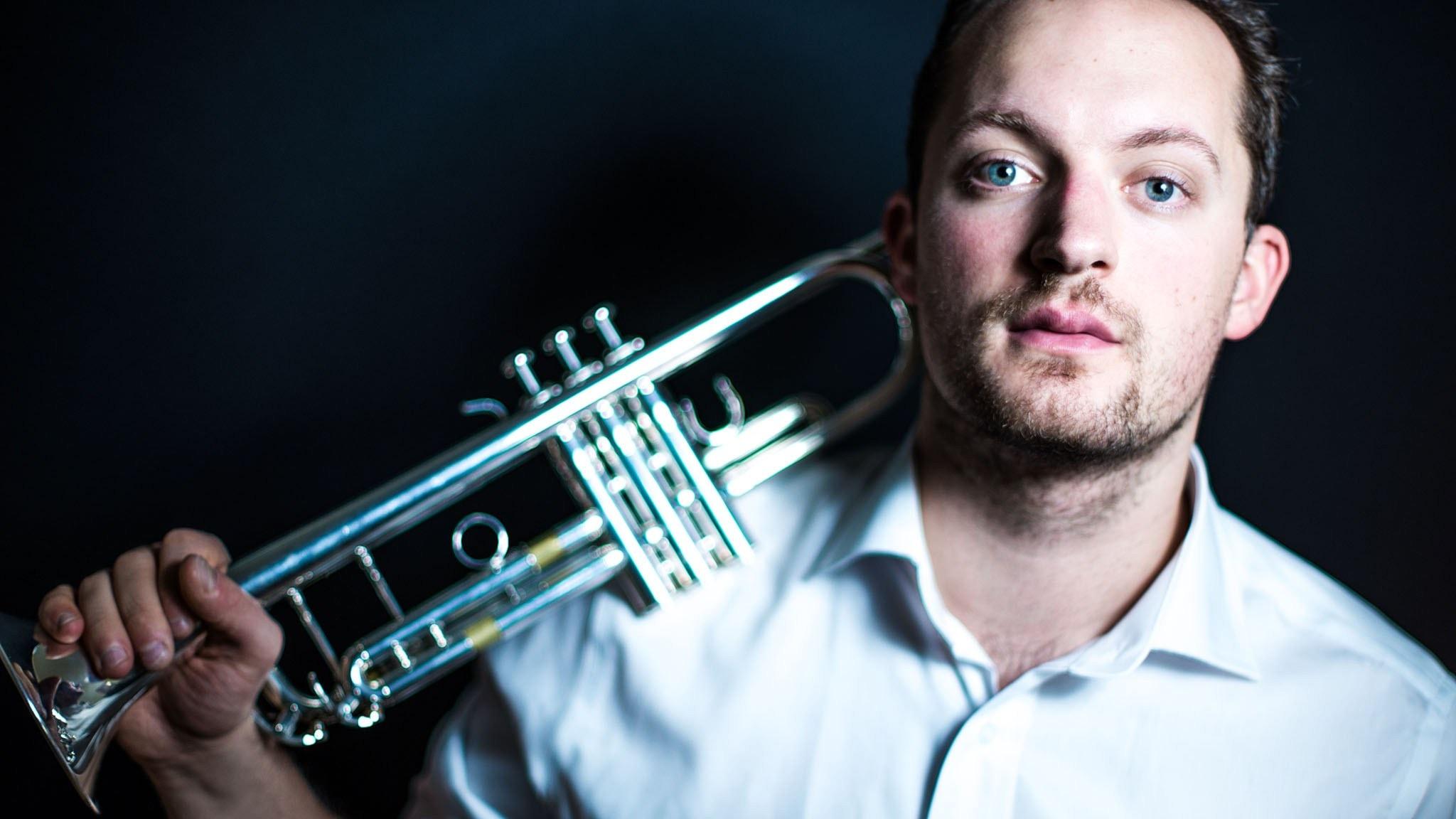 """Benjamin Staerns trumpetkonsert """"Surprise!""""och Molly Kiens kammarverk """"Clusters"""""""