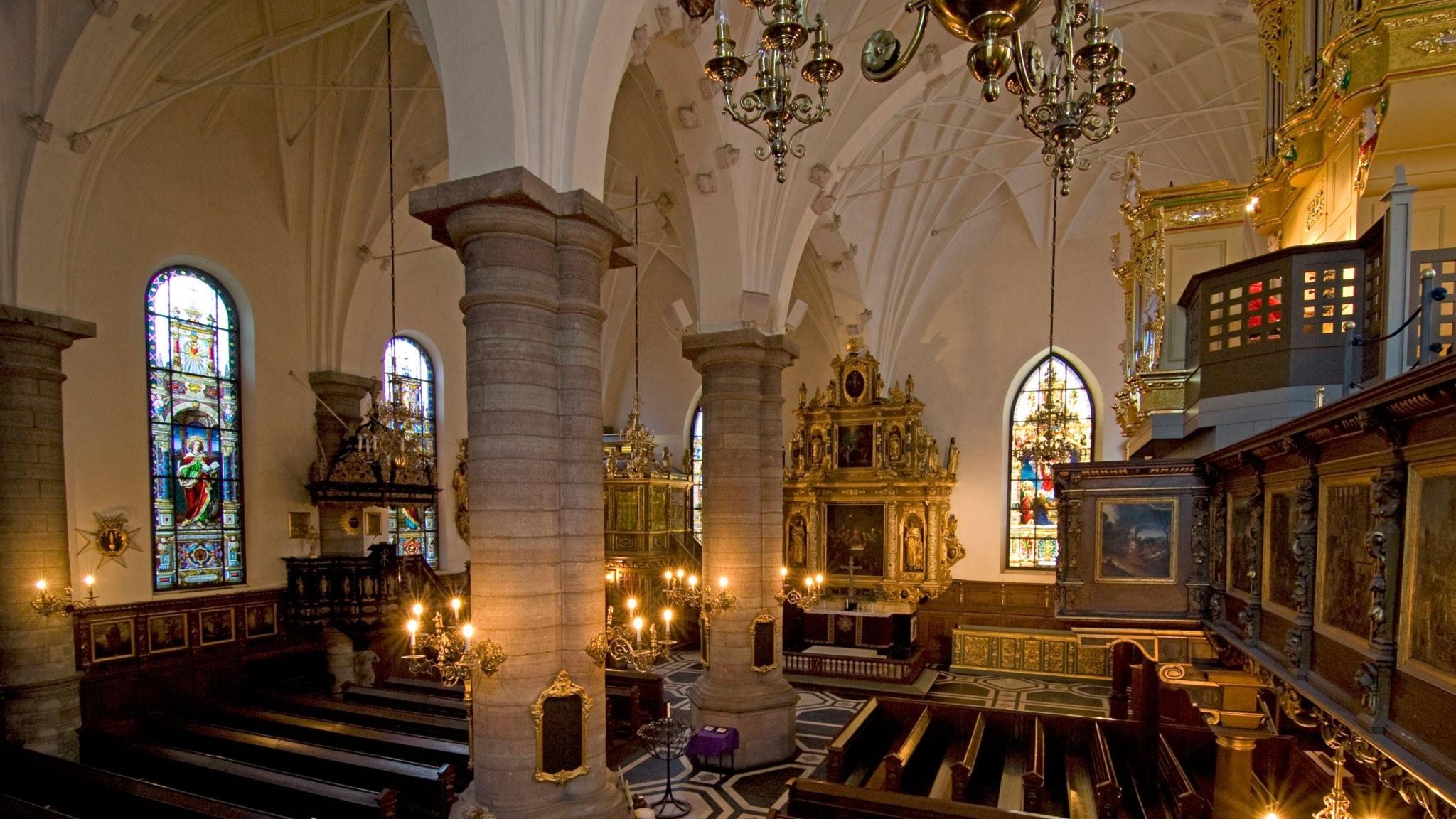 Vi laddar i Tyska kyrkans trädgård inför Stockholms tidiga musikfestival