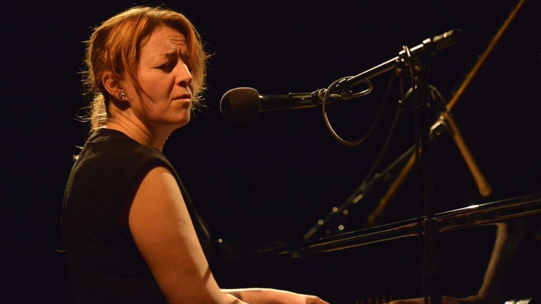 Vällagrat och nysläppt plus Teresa Indebetou Band live