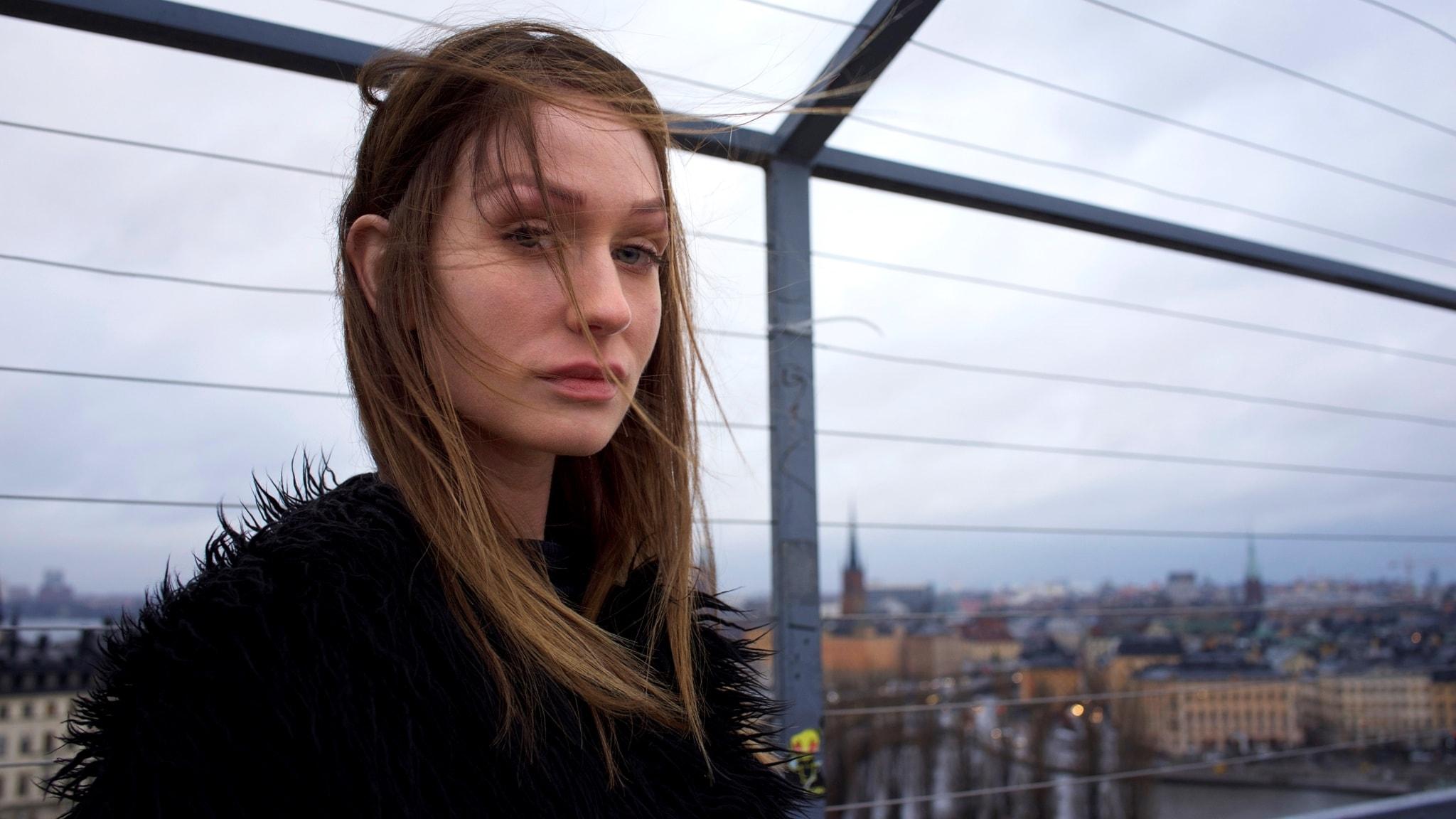 Entimme svensk,iskall techno med Linny Hex