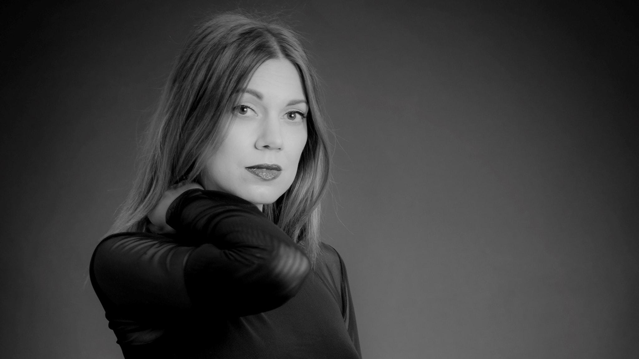 Sandra Mosh mixar techno för mörka höstkvällar