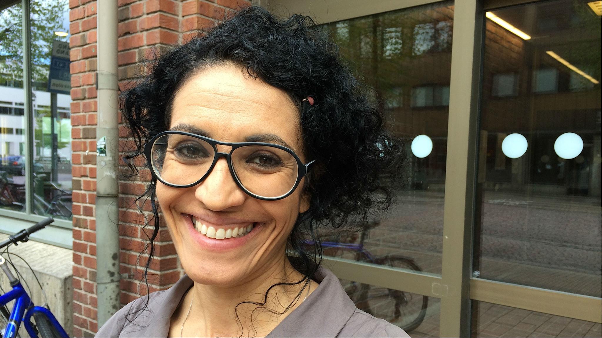 Sepideh Olausson forskar om existentiell hemlöshet och intensivvård (R)