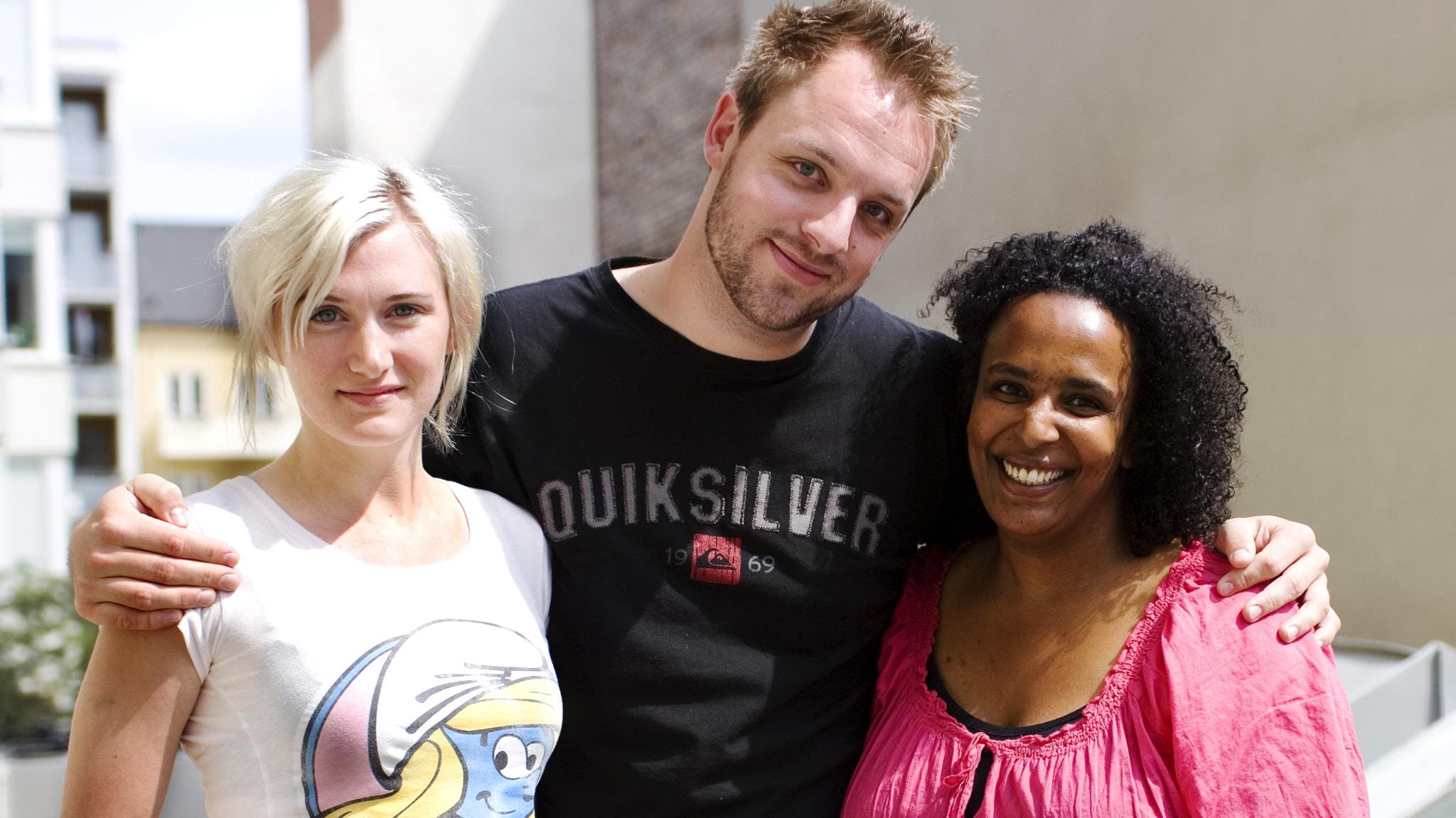 En trekant med Robin: Sissela Benn och Marika Carlsson