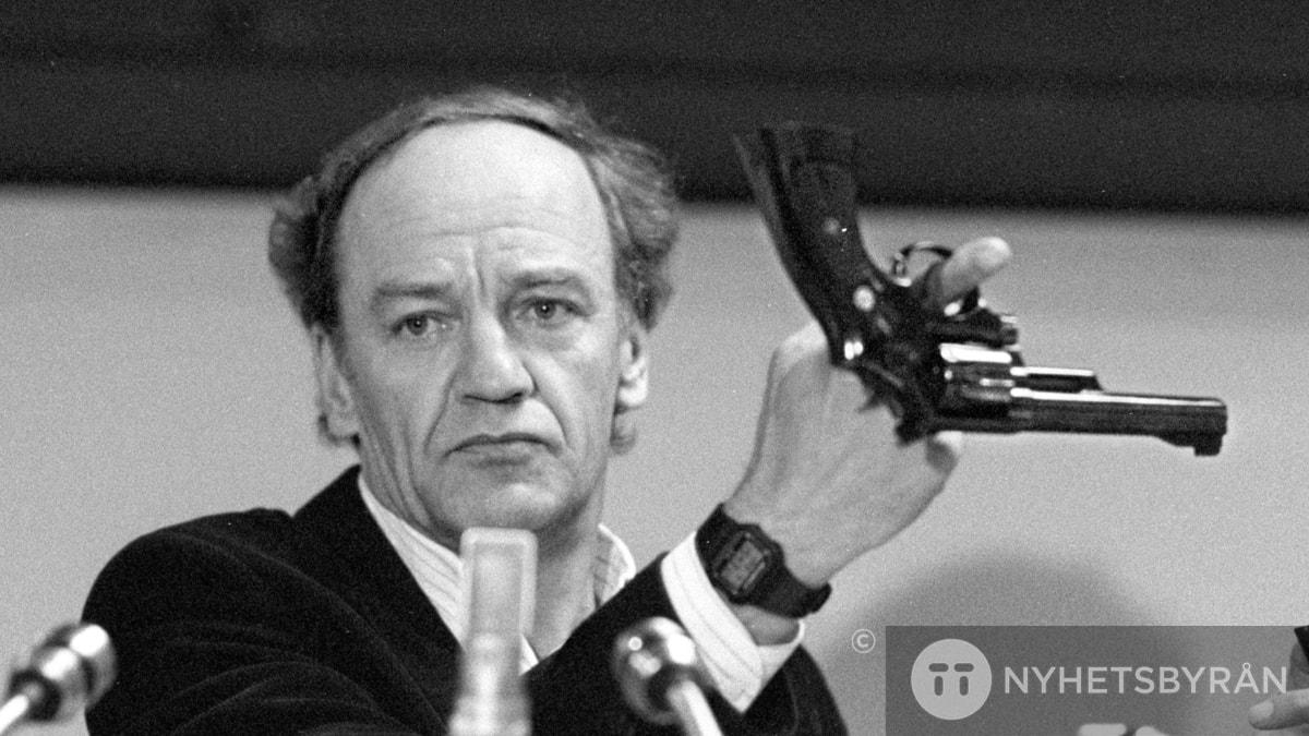 #5. Hans Holmér – Palmemordets Clouseau