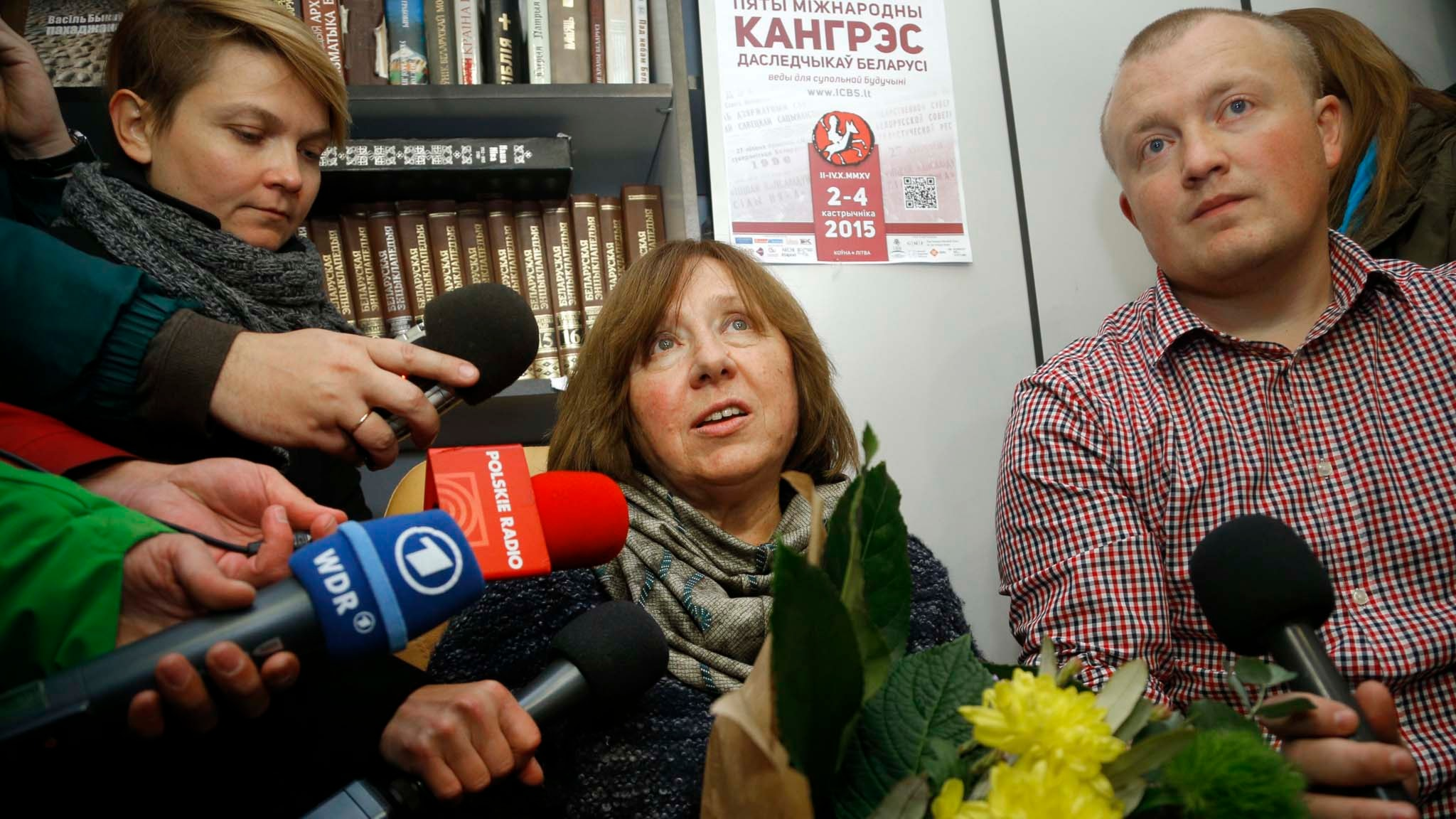 Årets nobelpristagare i litteratur, Svetlana Aleksijevitj -  ett porträtt av Fredrik Wadström.