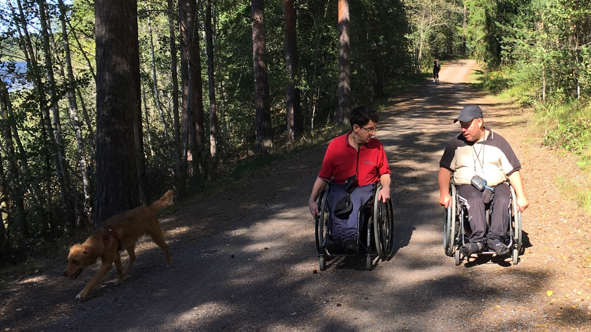 På tur med rullstol och hur en triangel kan vara räddare i nöden