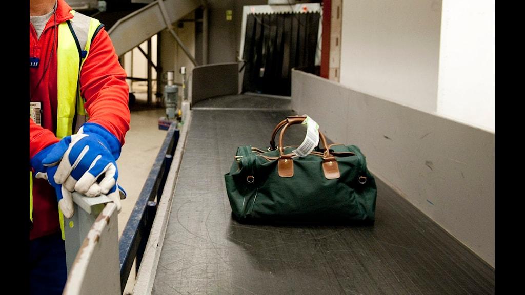 Kasta Väskor På Arlanda : S?kerheten p? sveriges st?rsta flygplats kan vara d?lig