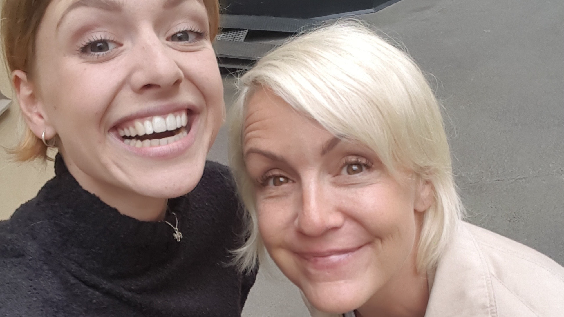 Karin Adelsköld om pms och Astrid S om sång