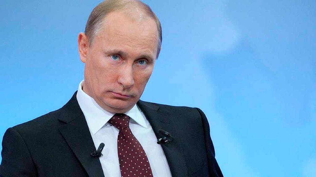 Vladimir Putin i tv. Foto: Scanpix