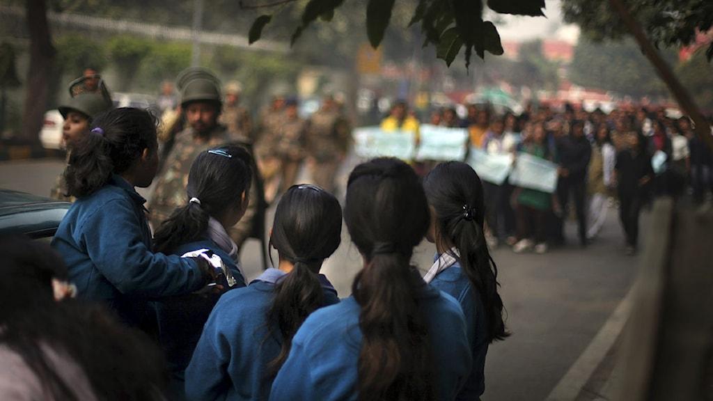 Gatuprotester i New Delhi, Indien, efter gruppvåldtäkten på en 23-årig student.