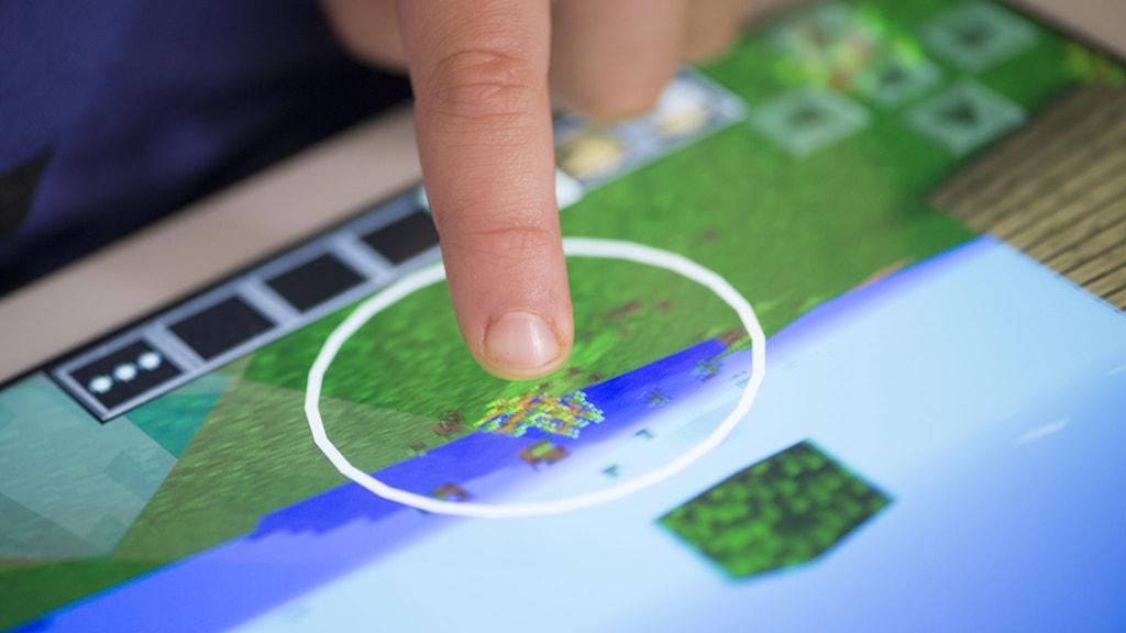 Minecraft spelas på en surfplatta. Foto: Fredrik Sandberg/TT.