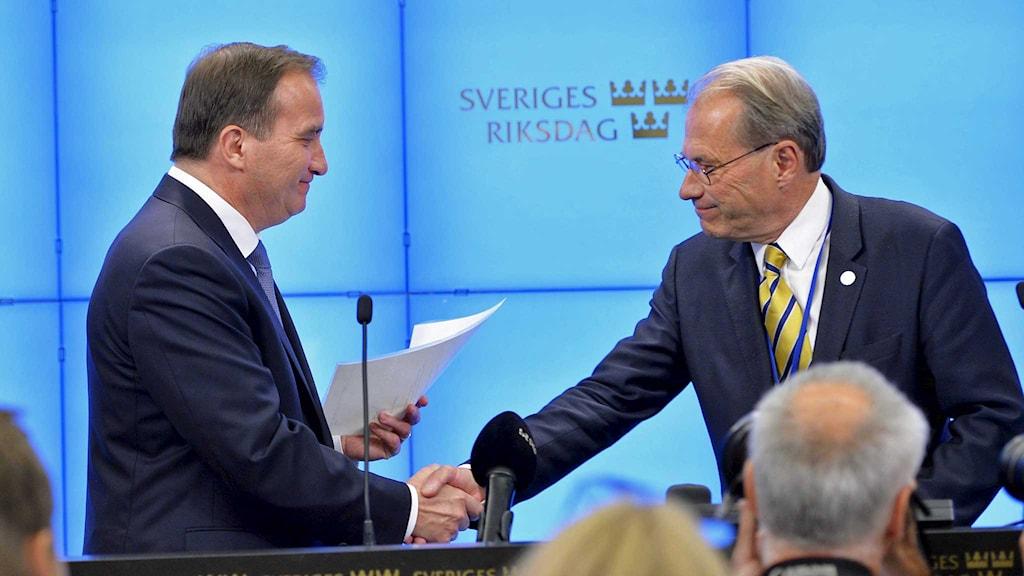 Socialdemokraternas partiledare Stefan Löfven och riksdagens talman Per Westerberg. Foto: Henrik Montgomery/TT.