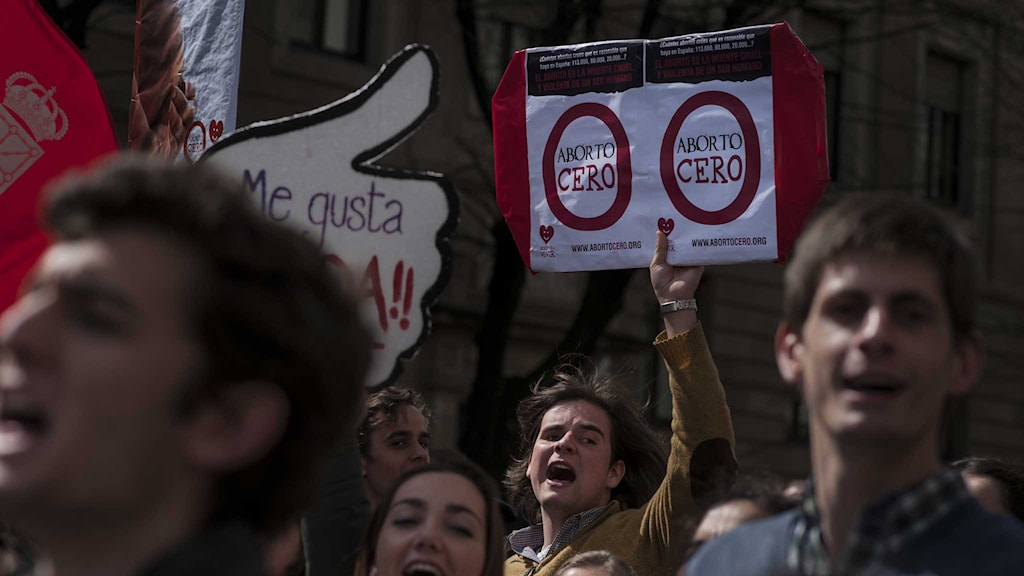 Abortmotståndare i demonstration i Spanien.