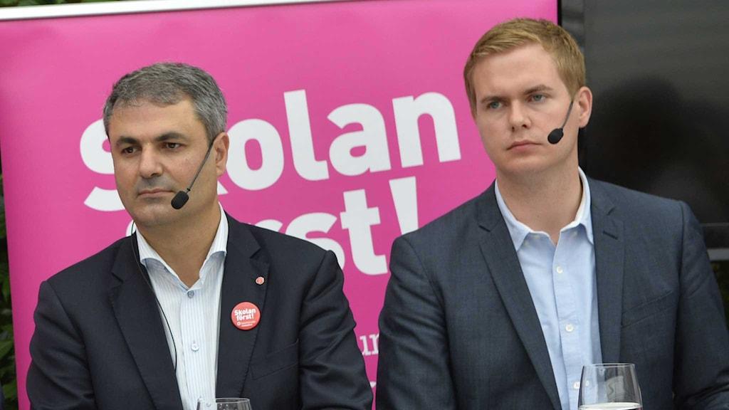 Ibrahim Baylan (S) och Gustav Fridolin är både spelulanter på jobbet som ny skolminister.