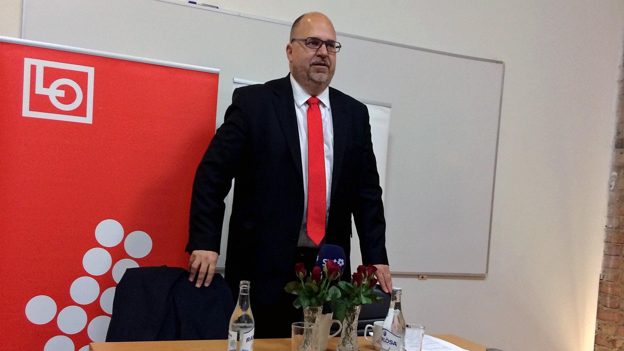 Karl-Petter Thorwaldsson på LO:s presskonferens i Landskrona. Foto: Odd Clausen / Sveriges Radio