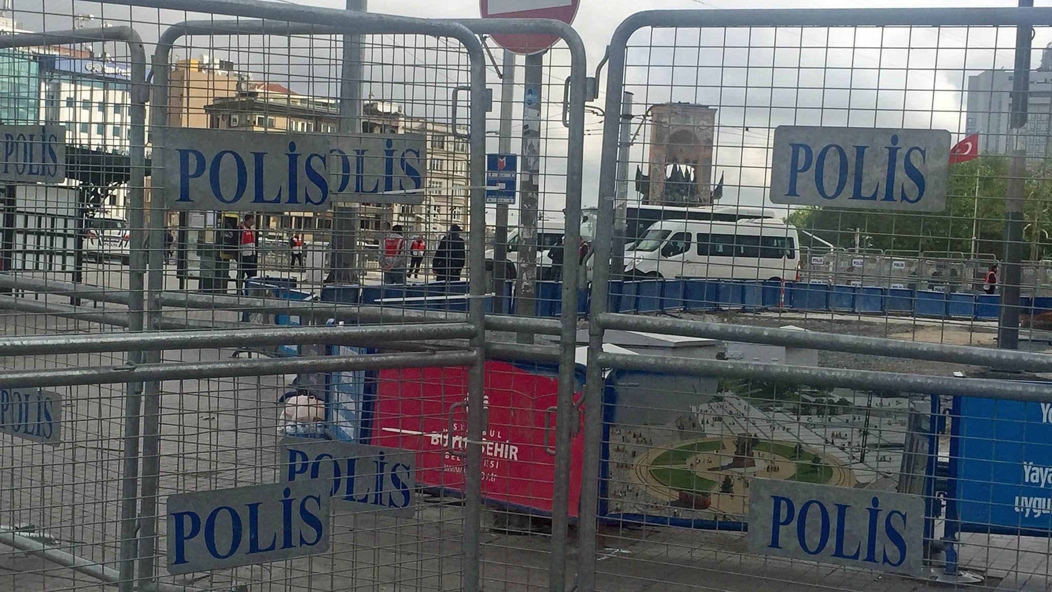 Avspärrningarna ska hindra demonstrationer på Taksimtorget i Istanbul. Foto: Katja Magnusson / Sveriges Radio