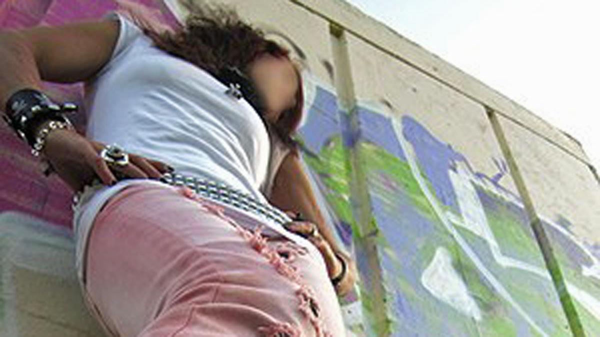 Den fastspända flickan: Del 1 - Hon har skurit en ängel på armen