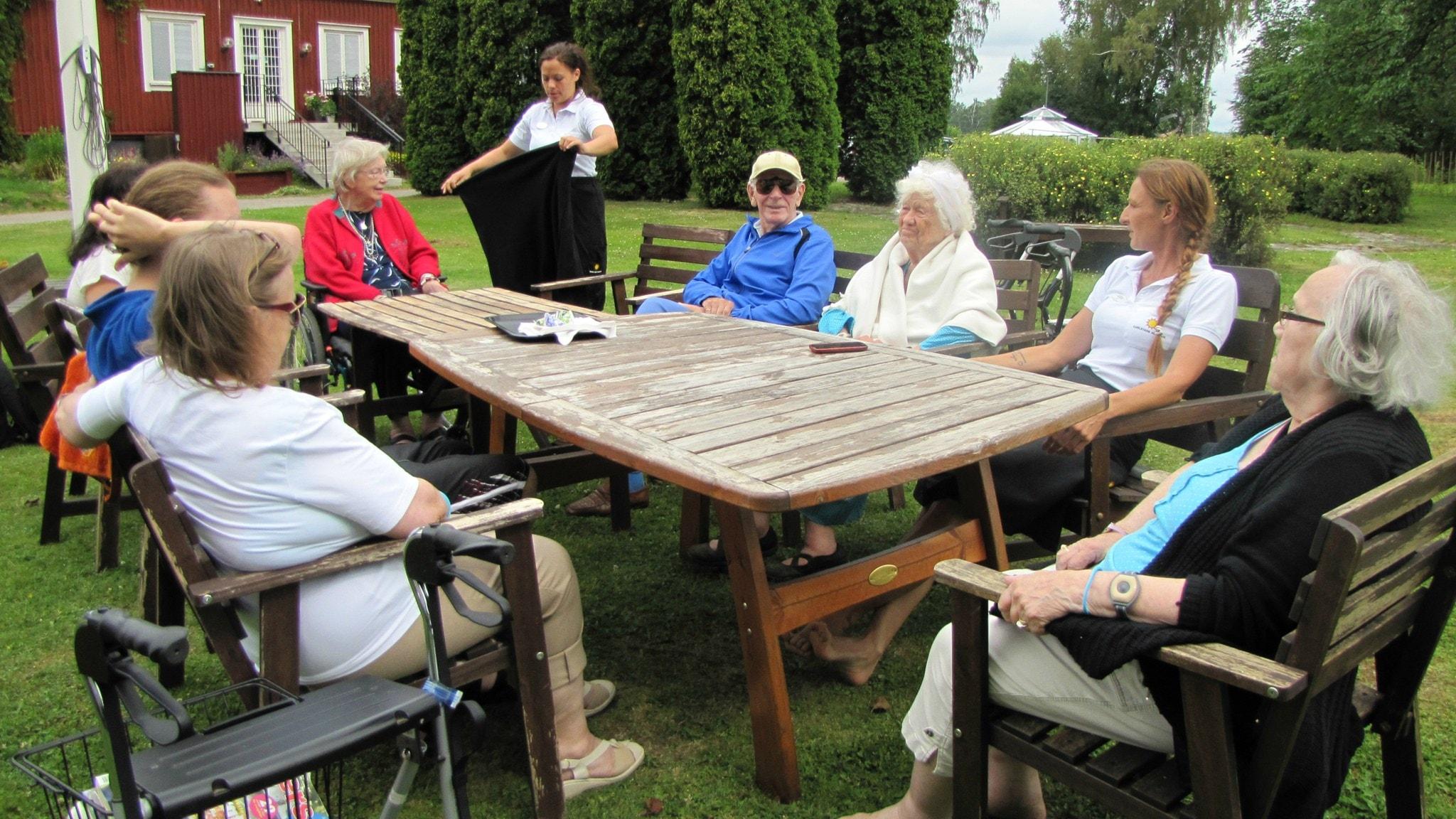 Eläkeläisten toimintaa ja ystäväpalvelua tehostetaan