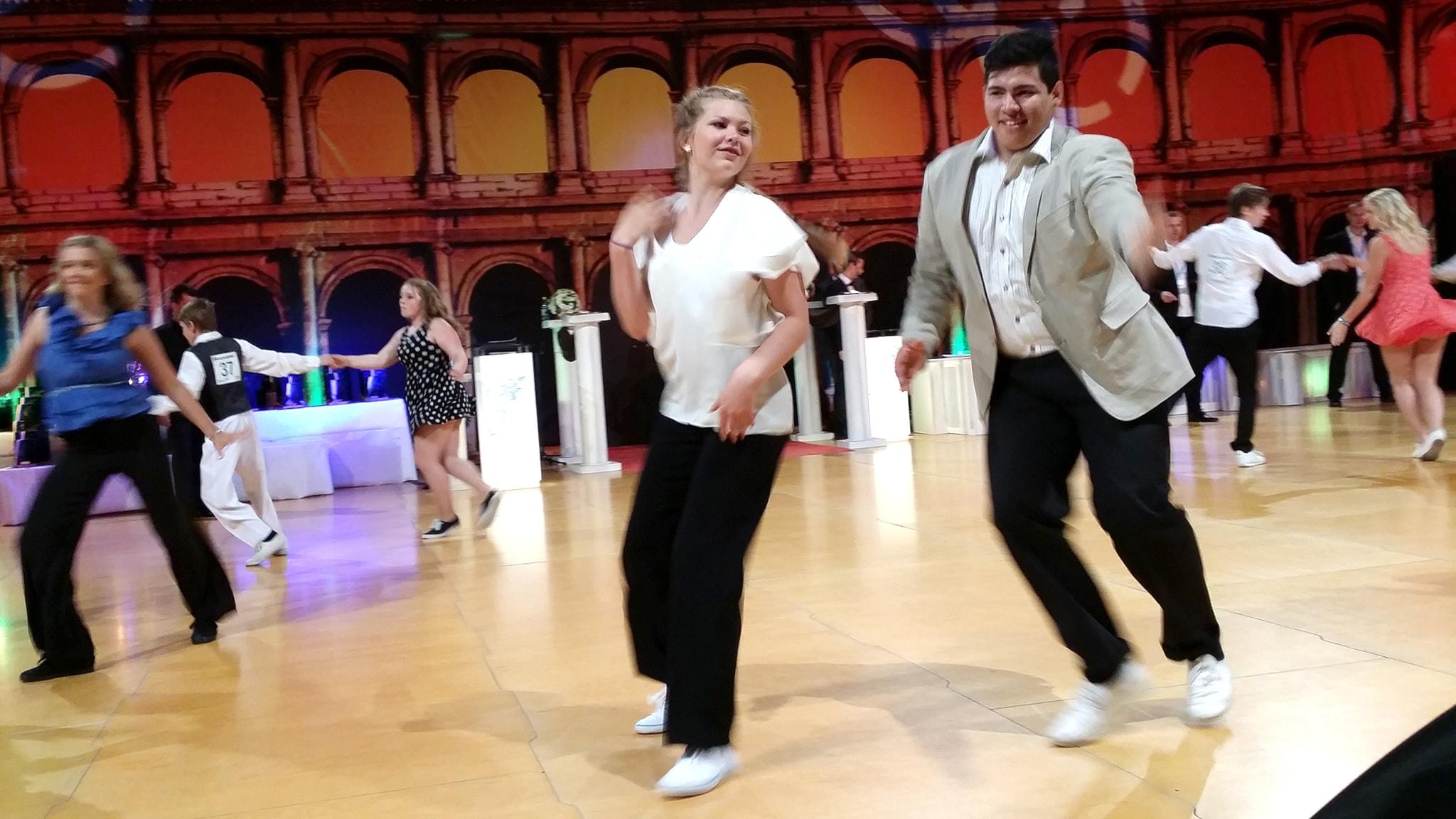 lång dansare avsugning i Borås