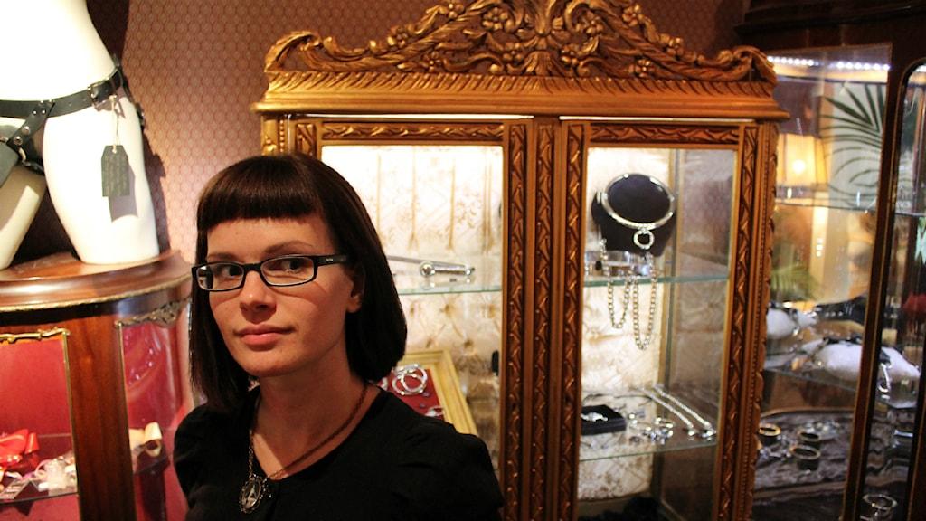 Jag tycker betalspärrarna signalerar en utdaterad syn på sexualitet, säger Emma Rosén, ägare till butiken Justine och Juliette. Foto: Joachim Sundell / Sveriges Radio