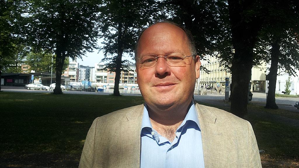 Torkild Strandberg, folkpartist och kommunstyrelsens ordförande i Landskrona. Foto: Lasse Olsson/Sveriges Radio