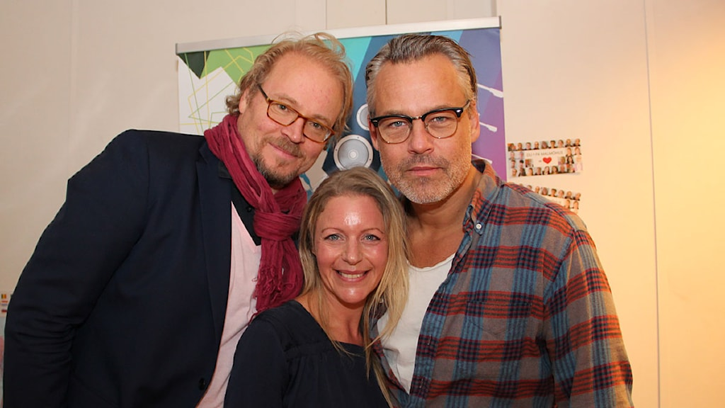 Fredrik Lindström och Henrik Schyffert på besök i studion hos Ebba Granath