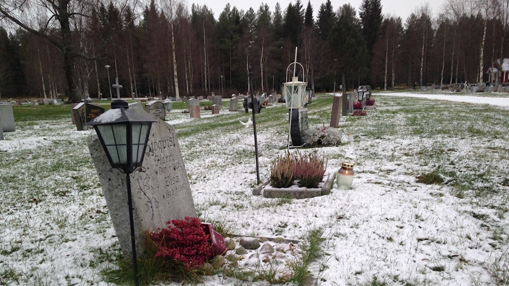 Ljus p graven en levande tradition boden p4 for Radio boden 98 2 mhz