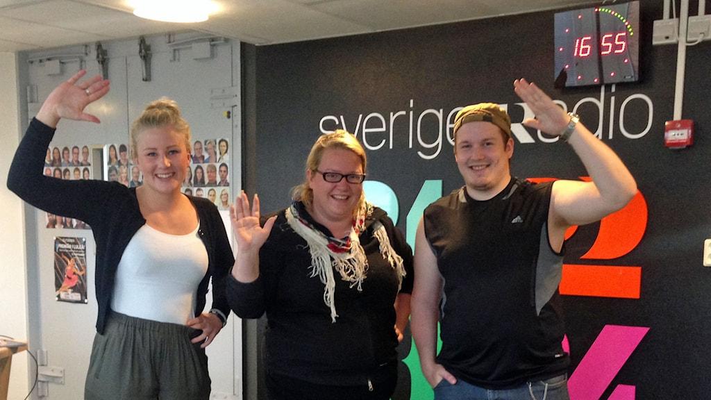 Gränslösts Ida Brännström tillsammans med Johanna Nordblad och Rasmus Rova och Johanna Nordblad Sirkka.