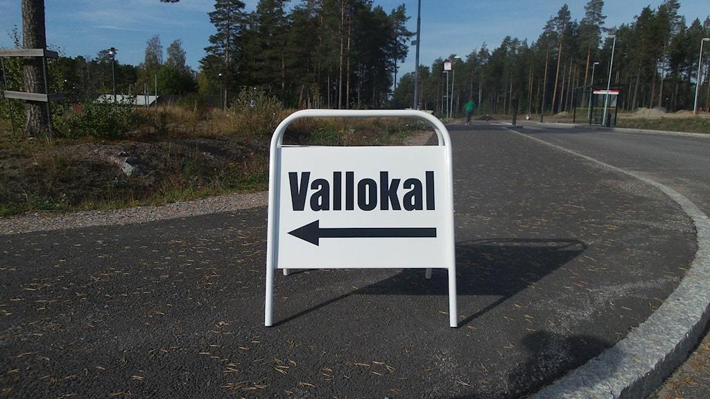 Valet 2014. Skylt till vallokal. Foto: Carin Sjöblom/SR Norrbotten.