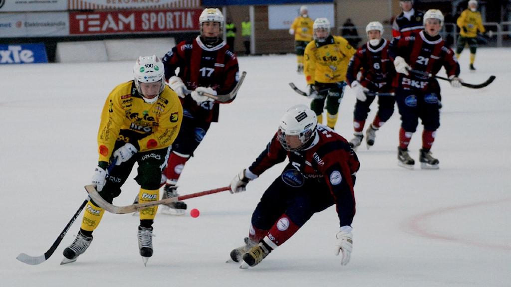 Ögonblicksbild från söndagens match mellan Ljusdal och Katrineholm. Foto: Jörgen Pettersson/Sveriges Radio