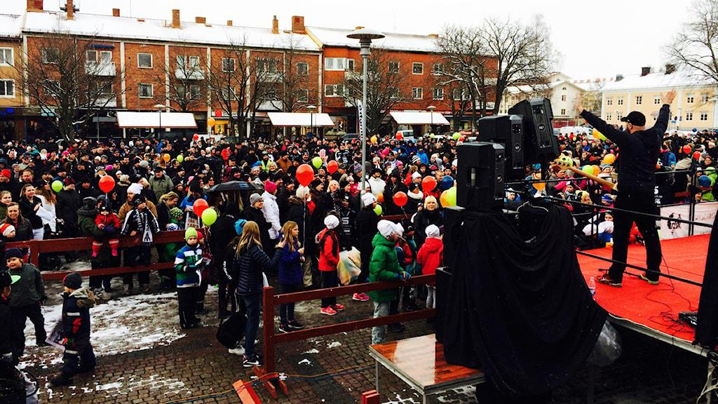 Guldfest på jerntorget i Sandviken. Foto: Christian Ploog/Sveriges Radio